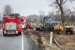 Lastbil væltet - Tingvejen ca. 1 km nord for Filskov - i Vejle Kommune