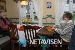 Der blev strikket i stuen på Karensminde - Foto: René Lind Gammelmark