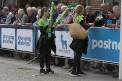 Skodapigerne gav merchandice til tilskuerne - Foto: René Lind Gammelmark